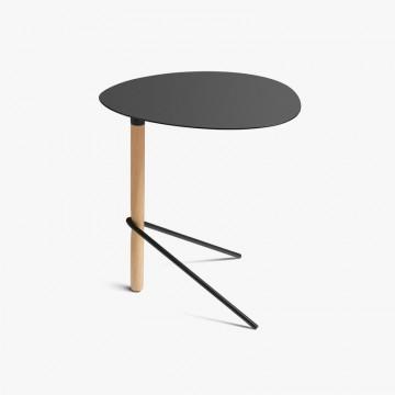 Nueva silla de madera